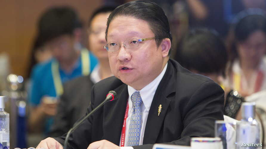James Su, chief executive of G&E Studio and EDI Media, speaks during the Boao forum in Boao, Hainan province, China, April 8, 2014.