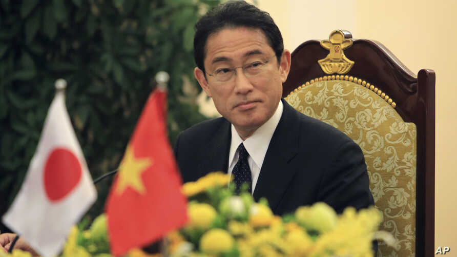 Japanese Foreign Minister Fumio Kishida is seen at the press briefing after meeting with Vietnamese Foreign Minister Pham Binh Minh in Hanoi, Vietnam on May 6th, 2016.