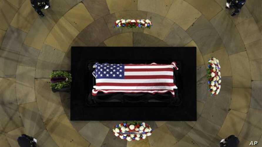 Senator Daniel Inouye of Hawaii, the second-longest-serving senator in history, lies in state in the Capitol Rotunda in Washington, December 20, 2012.