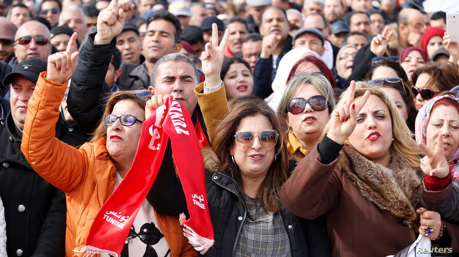 Tunisian teachers protest for better work conditions and higher wages,near the prime minister's office in Tunis, Tunisia, Feb. 6, 2019.