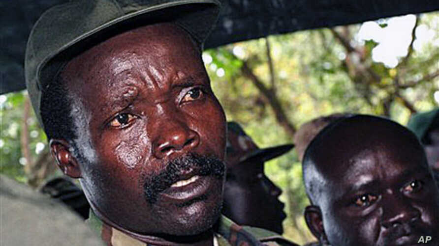 The leader of the Lord's Resistance Army, Joseph Kony, answers journalists' questions following a meeting with UN officials in southern Sudan, November 2006 (file photo)