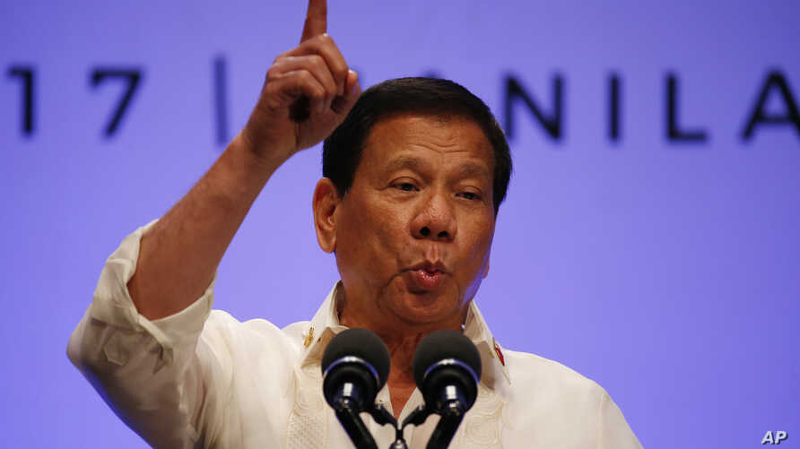 Philippines President Rodrigo Duterte gestures while addressing the media following the conclusion of the 30th ASEAN Leaders' Summit in Manila, Philippines, April 29, 2017.