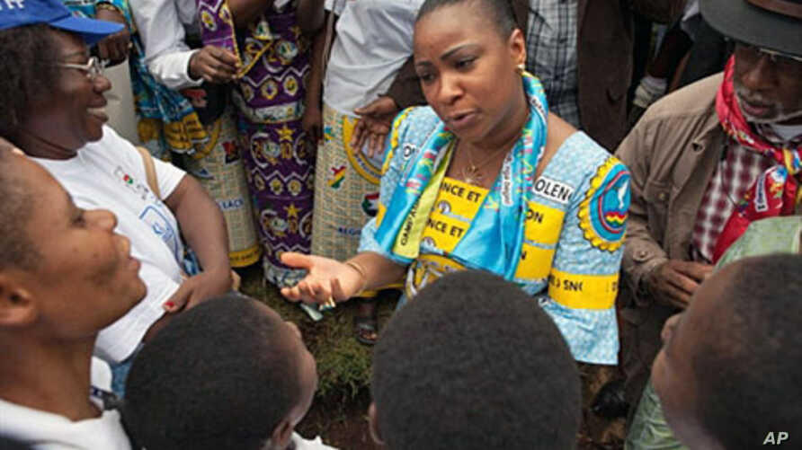 Olive Lembe Kabila (C), the wife of President Joseph Kabila speaks to women during a march dubbed World March of Women in Bukavu, South Kivu Province, 17 Oct 2010.