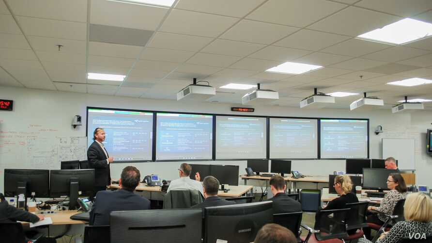 SparkCognition's Sam Septembre presents at the Defense Intelligence Agency iHub August 2, 2017. (Courtesy DIA)