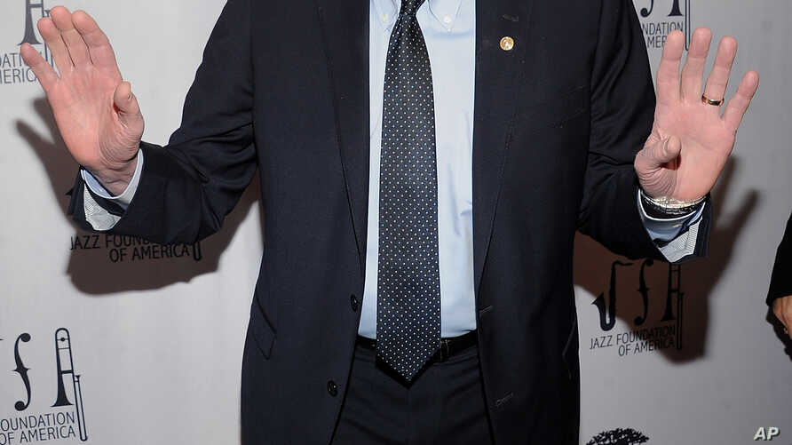 """Democratic presidential candidate Sen. Bernie Sanders walks the red carpet at the Jazz Foundation of America's 17th annual """"A Great Night in Harlem"""" gala concert, at the Apollo Theater in New York, April 4, 2019."""
