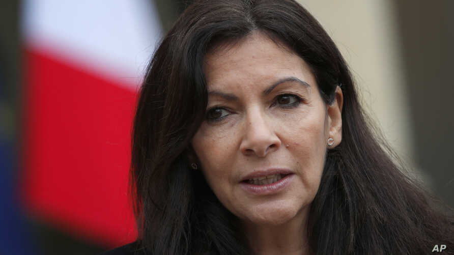 Paris mayor Anne Hidalgo speaks to the media after a meeting at the Elysee Palace, in Paris, France, March 9, 2017.