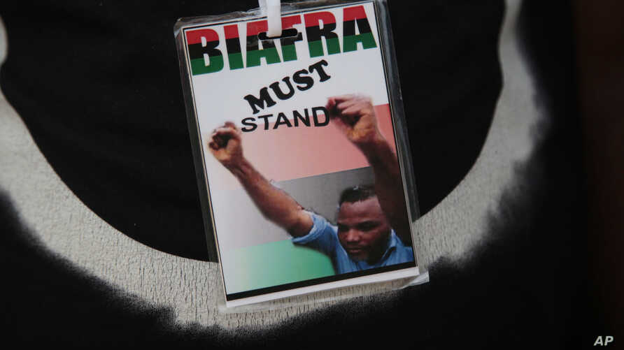 A member of the Biafran separatist movement wears a badge supporting their cause during an event in Umuahia, Nigeria, May 28, 2017.