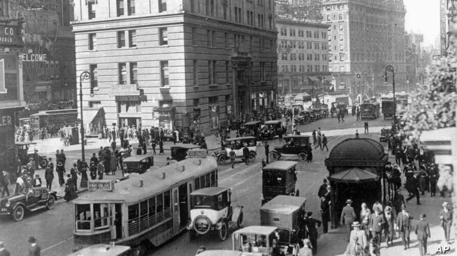 Times Square area near 42nd Street in New York City in the 1920s. Sounds from that era are now available online.