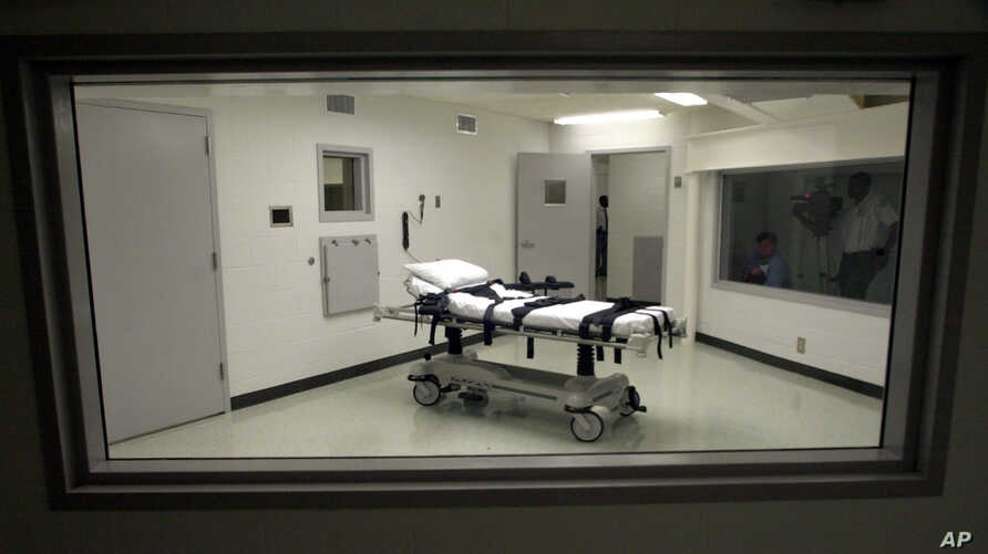 FILE - Alabama's  lethal injection chamber at Holman Correctional Facility in Atmore, Ala., Oct. 7, 2002.