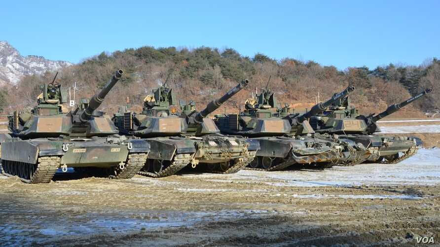 M1-A2SEP Abrams tanks participating in a platoon qualifying exercise near the DMZ. (Photo: VOA / Steve Herman)