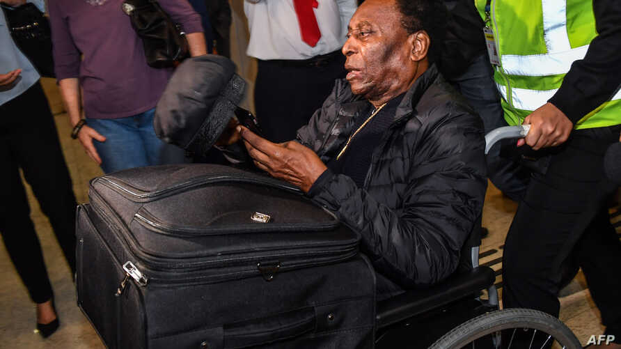 Brazilian football great Pele arrives at Guarulhos International Airport, in Guarulhos some 25 km from Sao Paulo, Brazil, April 9, 2019, following medical treatment in France.