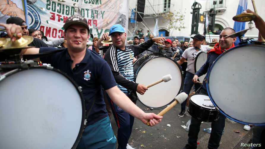 Demonstrators play drums during a national strike in Buenos Aires, Argentina April 30, 2019.