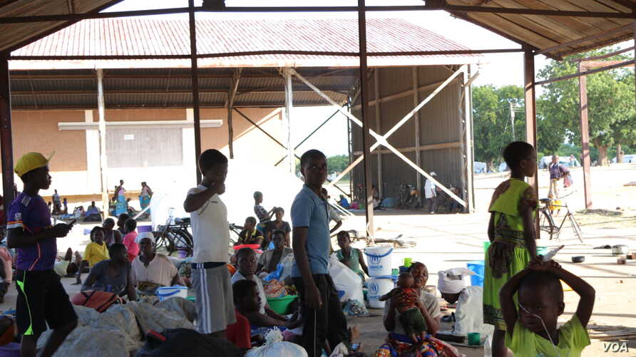 Flood survivors at Bangula camp. Malawi government officials say allowing campaign rallies at evacuation camps would put property of flood survivors at risk of being stolen.