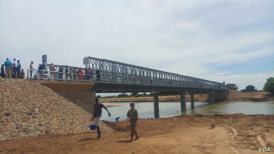 A new bridge in Kuajok that has now connected The states of  Gogrial, Tonj and Wau are now connected by the new bridge in Kuajob. (Waakhe Simon Wudu/VOA)  on June 4, 2019.