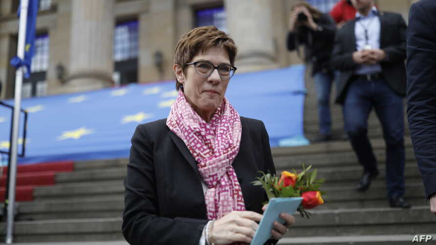 """Leader of Germany's conservative Christian Democratic Union (CDU) party Annegret Kramp-Karrenbauer takes part in a rally organised by the """"Pulse of Europe"""" pro-European movement on May 5, 2019 at Gendarmenmarkt square in Berlin."""