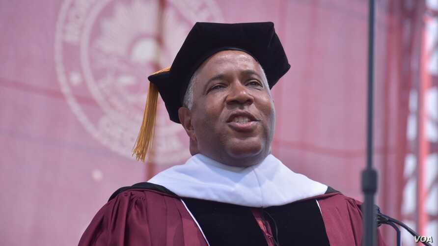 Billionaire investor Robert Smith speaks at Morehouse College in Atlanta, Georgia, May 19, 2019. (Twitter/morehouse)
