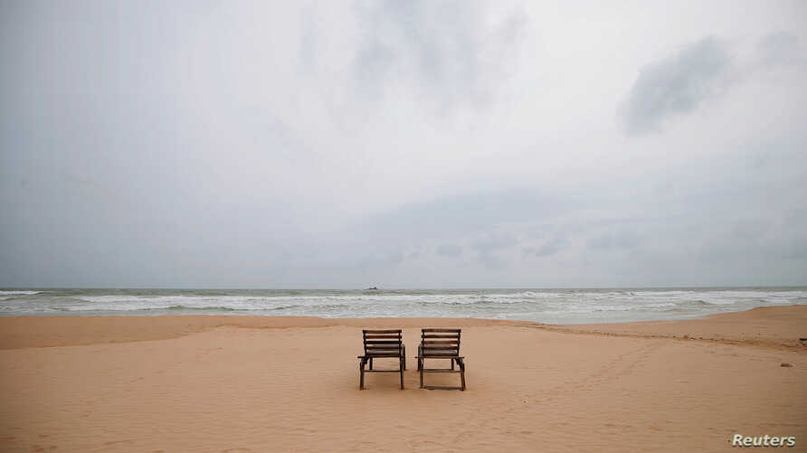 Empty sunbathing chairs are seen on a beach near hotels in a tourist area in Bentota, Sri Lanka, May 2, 2019. Net hotel bookings dropped 186% after the Easter attacks compared to a year earlier.