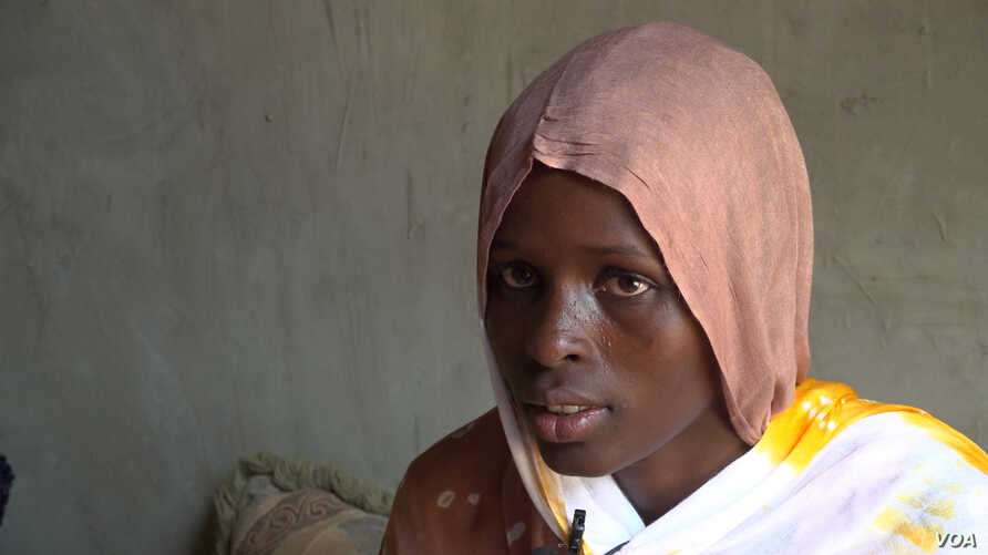 M'Barka Mint Yarba has worked as a housekeeper and cook for a family in Nouakchott since being freed from slavery eight years ago (E. Sarai/VOA)