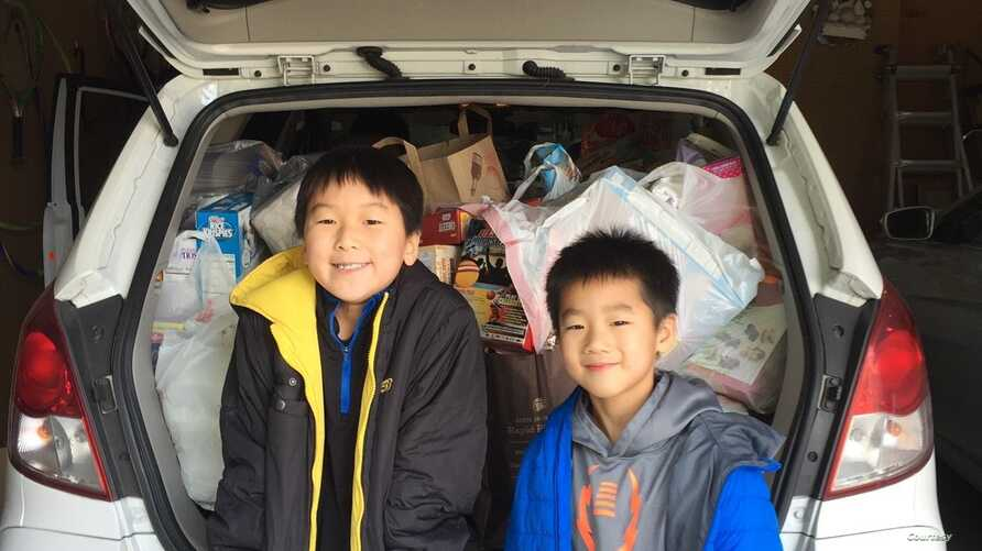 Kids put together 100 lunches for Lighthouse Shelter, one of the many food and clothes collection drives throughout the year that benefit the homeless and others. (Courtesy Caleb Oh)