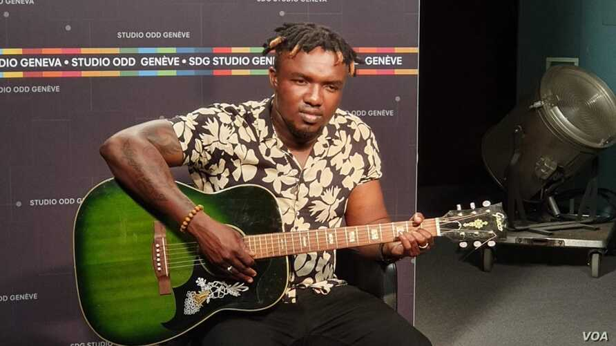 FILE - Ozaguin, a singer-songwriter, is considered the most popular in the Central African Republic. (L. Schlein/VOA).  Ozaguin recently visited the U.N.'s European headquarters in Geneva to awaken the world to the struggles faced by his country.