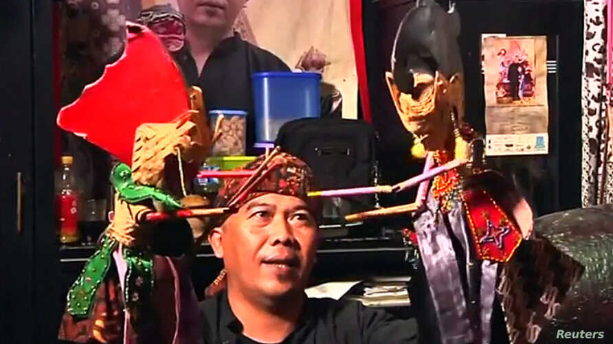 Puppeteer Drajat Iskandar Performing Puppet Show, Bogor, West Java Province, Indonesia, Aug. 25, 2019