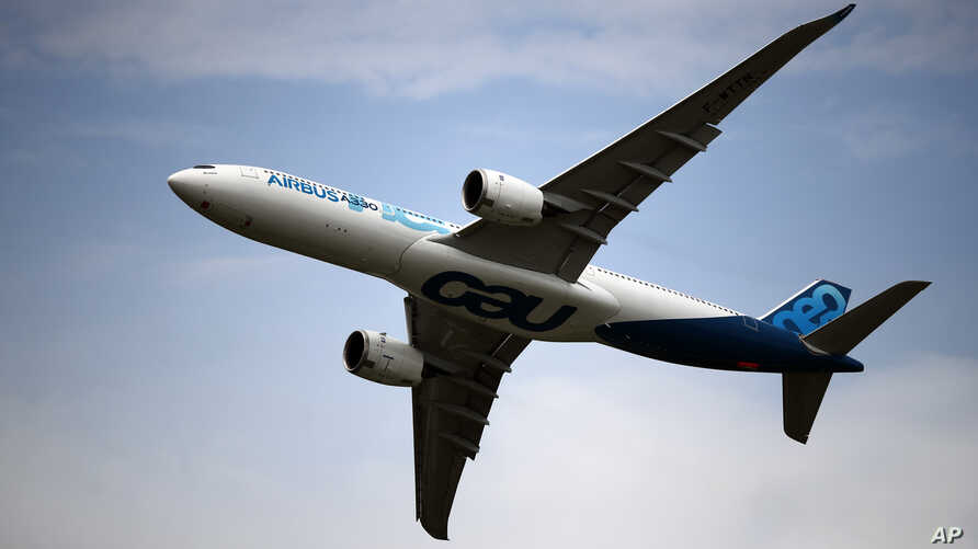 An Airbus A350 performs a demonstration flight at Paris Air Show, in Le Bourget, northeast of Paris, June 18, 2019.