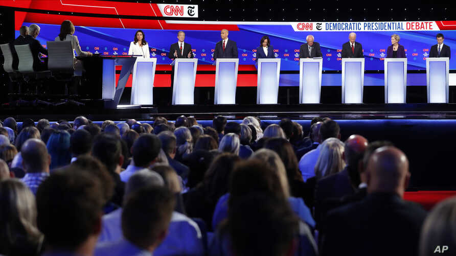 Democratic presidential hopefuls participate in a debate hosted by CNN/New York Times at Otterbein University, in Westerville, Ohio, Oct. 15, 2019.