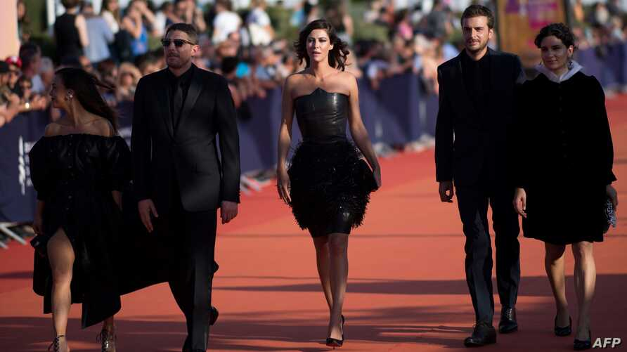 Members of the Revelation Jury (FromL) Alice Belaidi, Damien Bonnard, Anna Mouglalis, Roman Kolinka and Marie-Louise Khondji  arrive during the 45th Deauville US Film Festival, on September 14, 2019 in Deauville, northern France / AFP / LOIC VENANCE