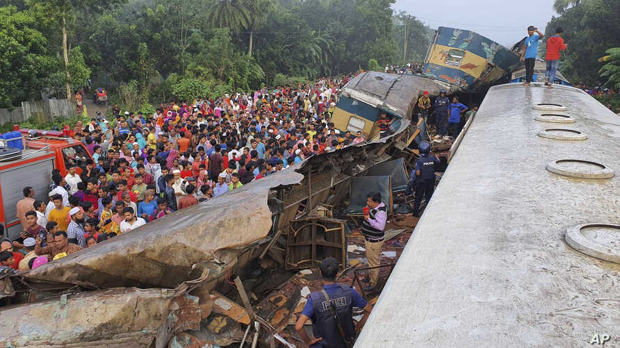 train crash bangladesh