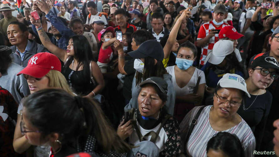 People gather in the aftermath of the last days' protests, after the government of Ecuadorian President Lenin Moreno agreed to…