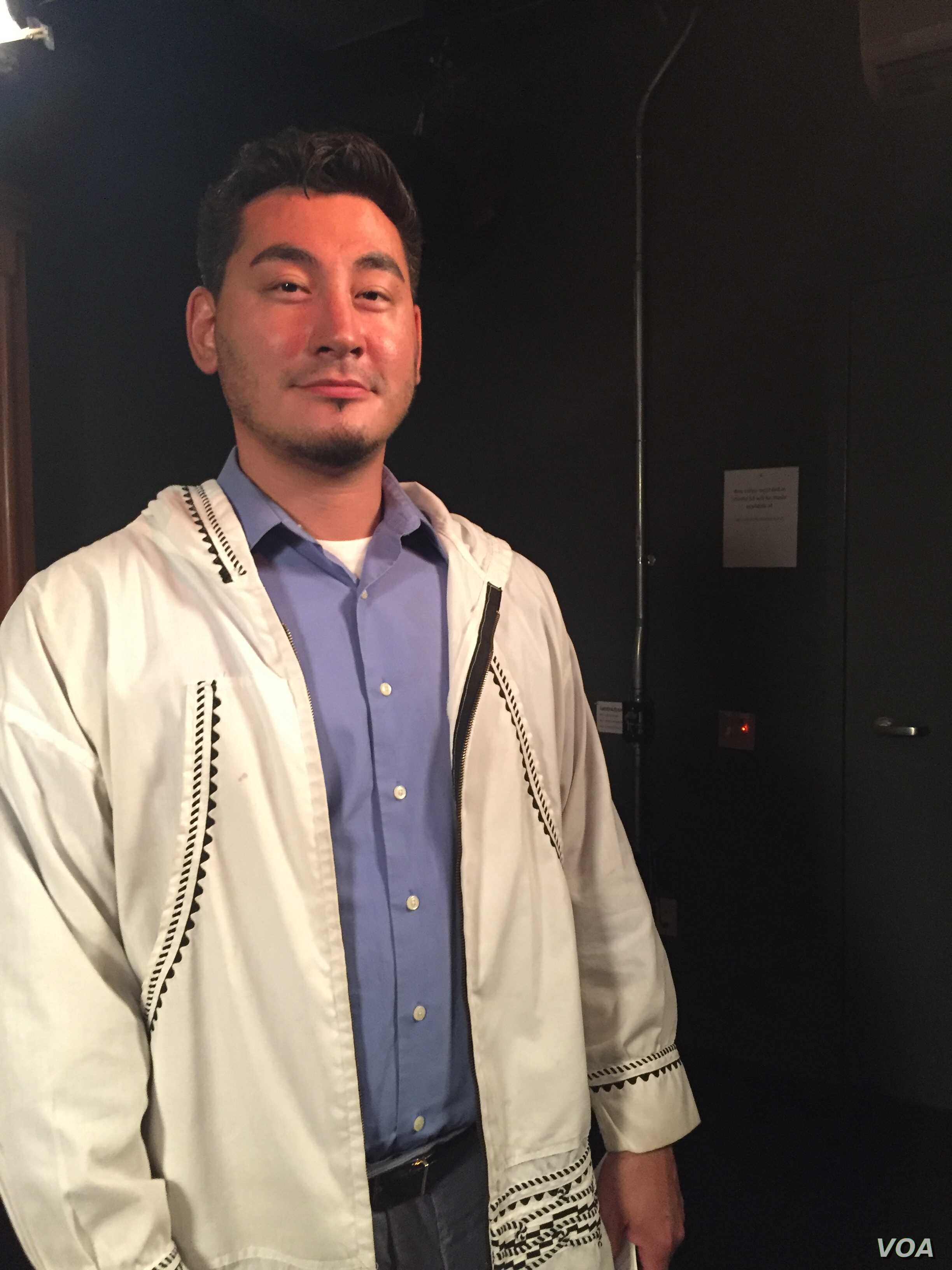Gabe Tegoseak spoke to VOA about growing up in an Inuit household.