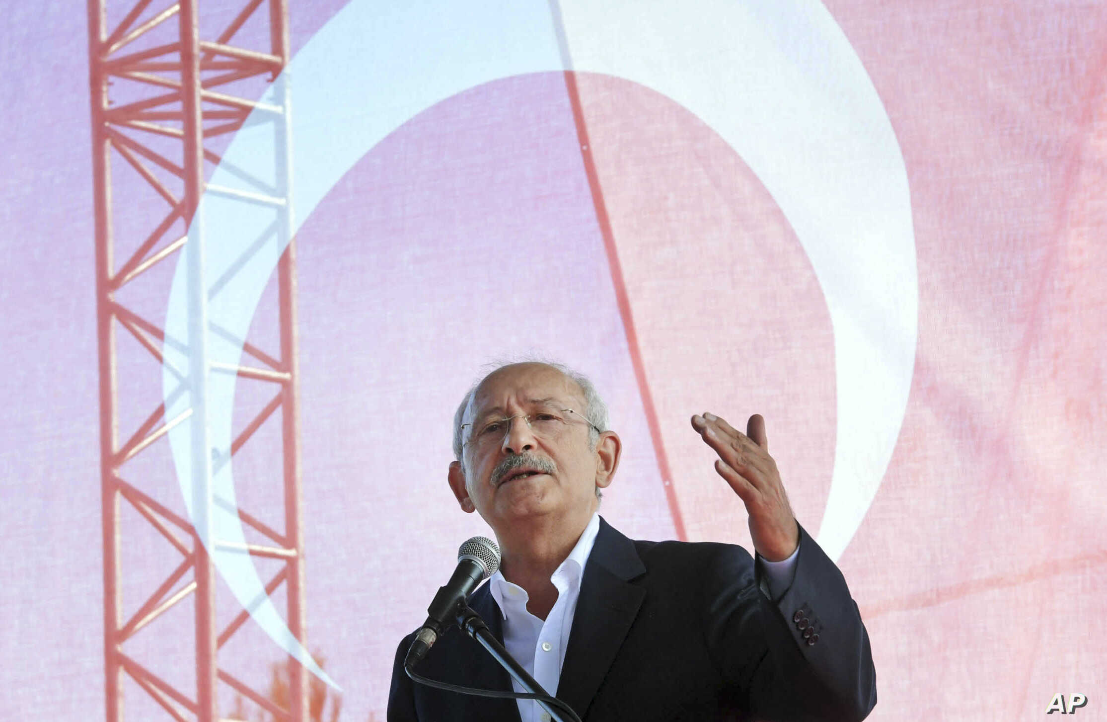 Turkey Opposition Leader Faces Prosecution as Crackdown Intensifies