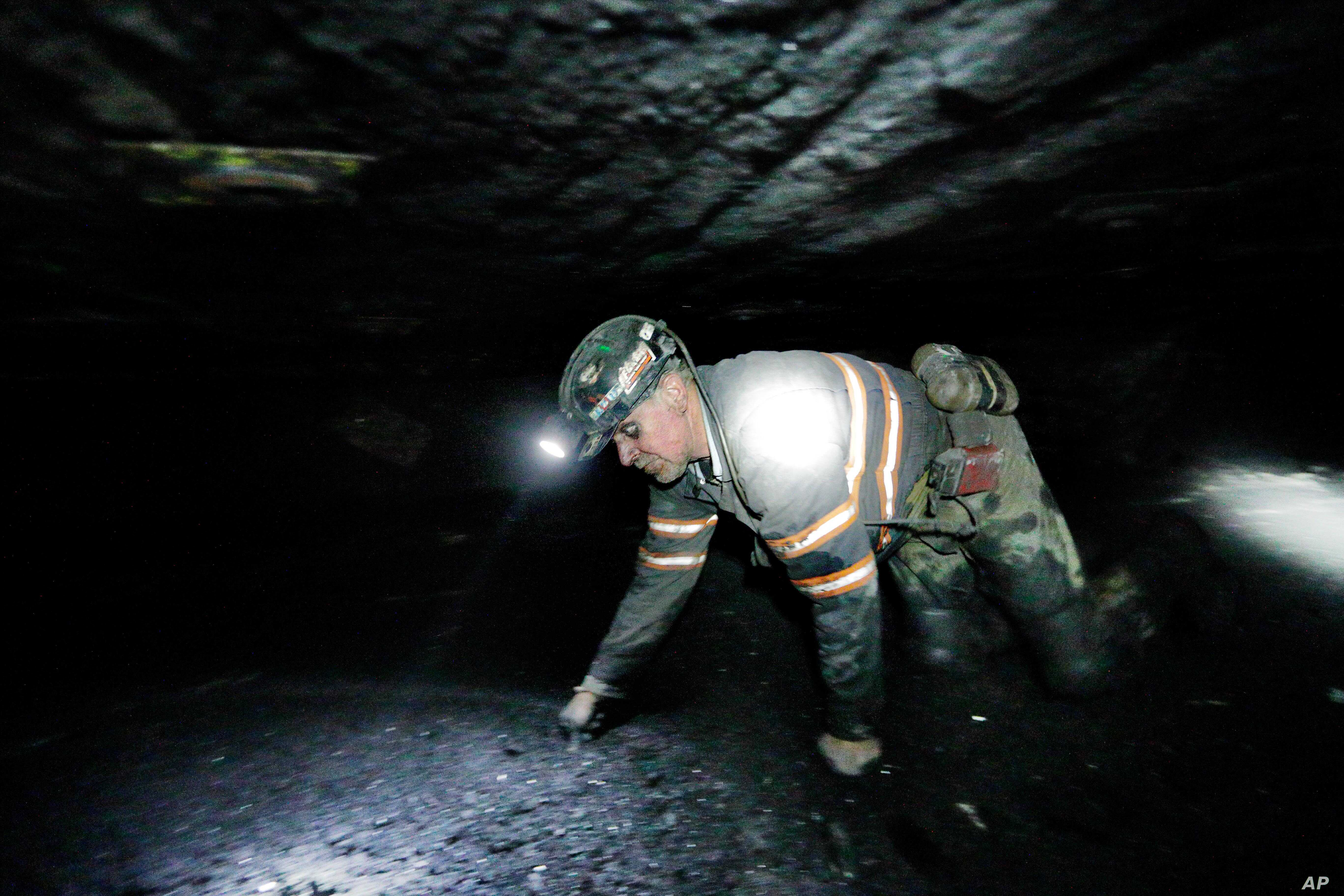 3 Found Alive in West Virginia Coal Mine | Voice of America