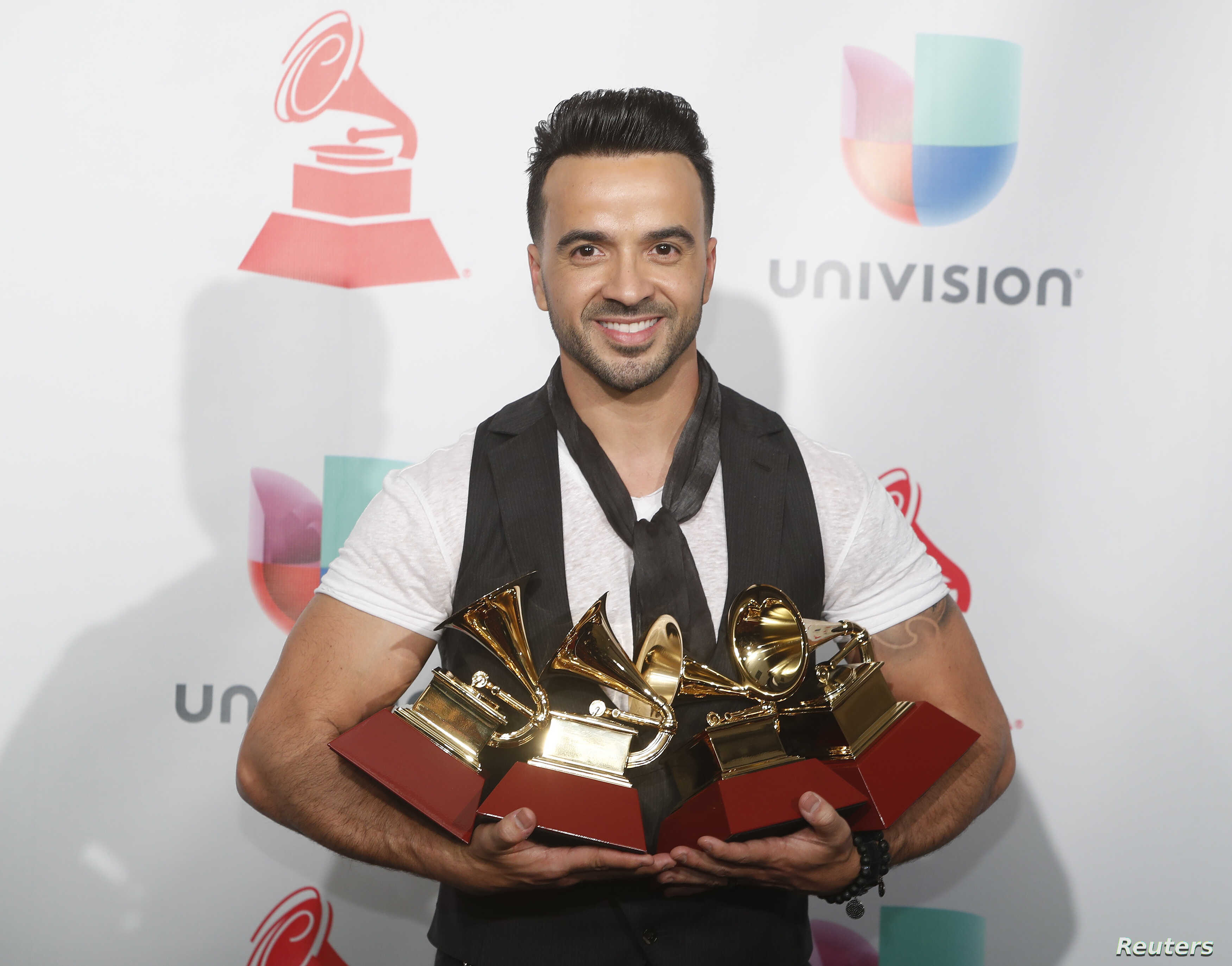 At Latin Grammys, Puerto Rico and 'Despacito' Dominate | Voice of