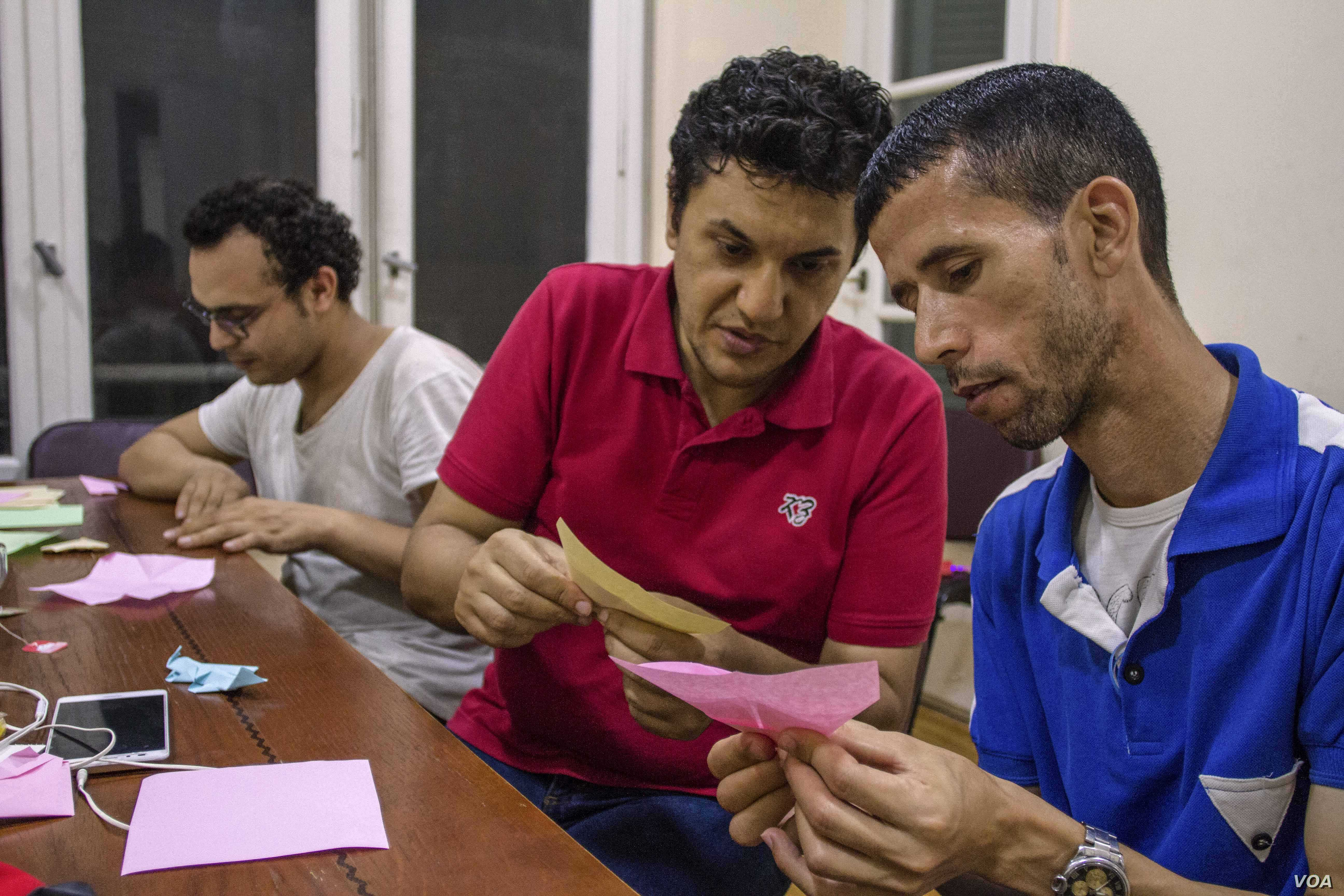 Egyptian prisons administrators don't allow any type of gift if it can be turned into a hard or sharp object. In Cairo, Egypt. Friday, July 21, 2017. (H. Elrasam/VOA)