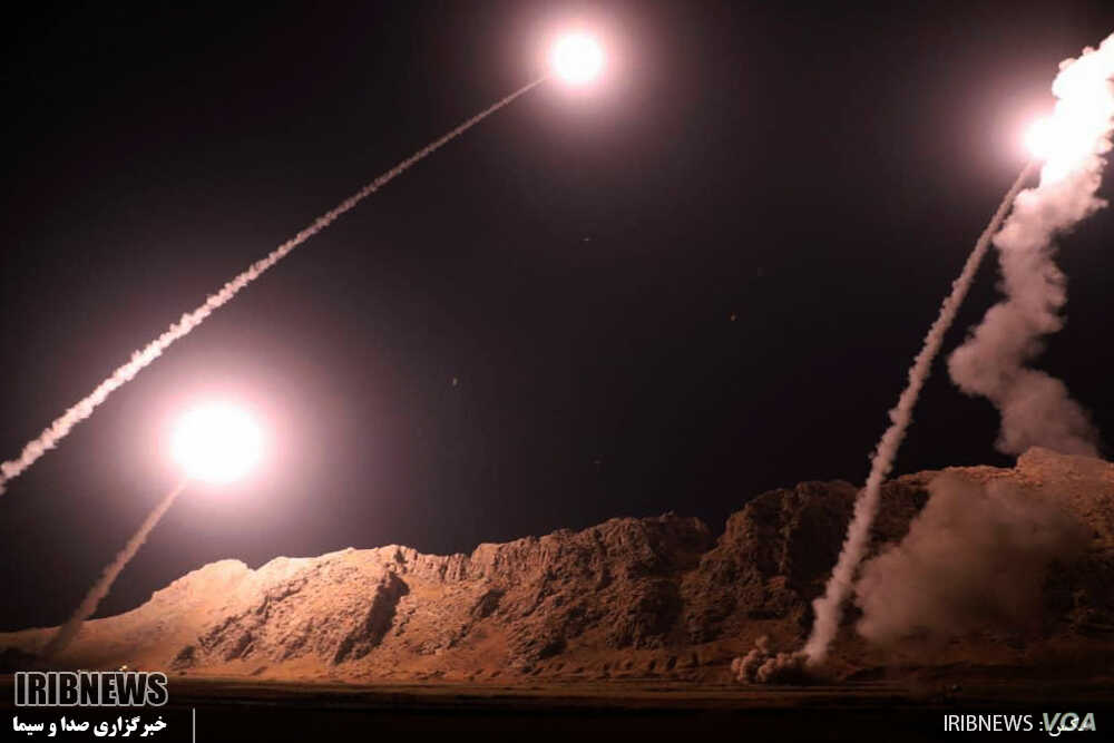 Iran's Islamic Revolutionary Guard Corps fires missiles from the western province of Kermanshah on October 1, 2018. It said the targets were militants in the eastern Syrian town of Albu Kamal.