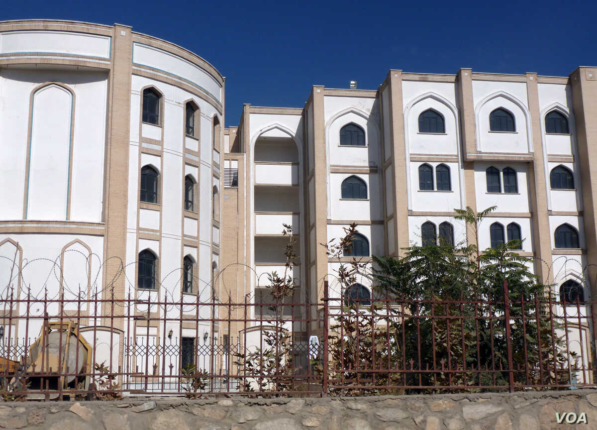Housing and classrooms for the Khatam al Nabeyeen Mosque and madrassah in Kabul spread across several blocks. The center is said to teach a curriculum similar to that taught in Iran.  (S. Behn/VOA)