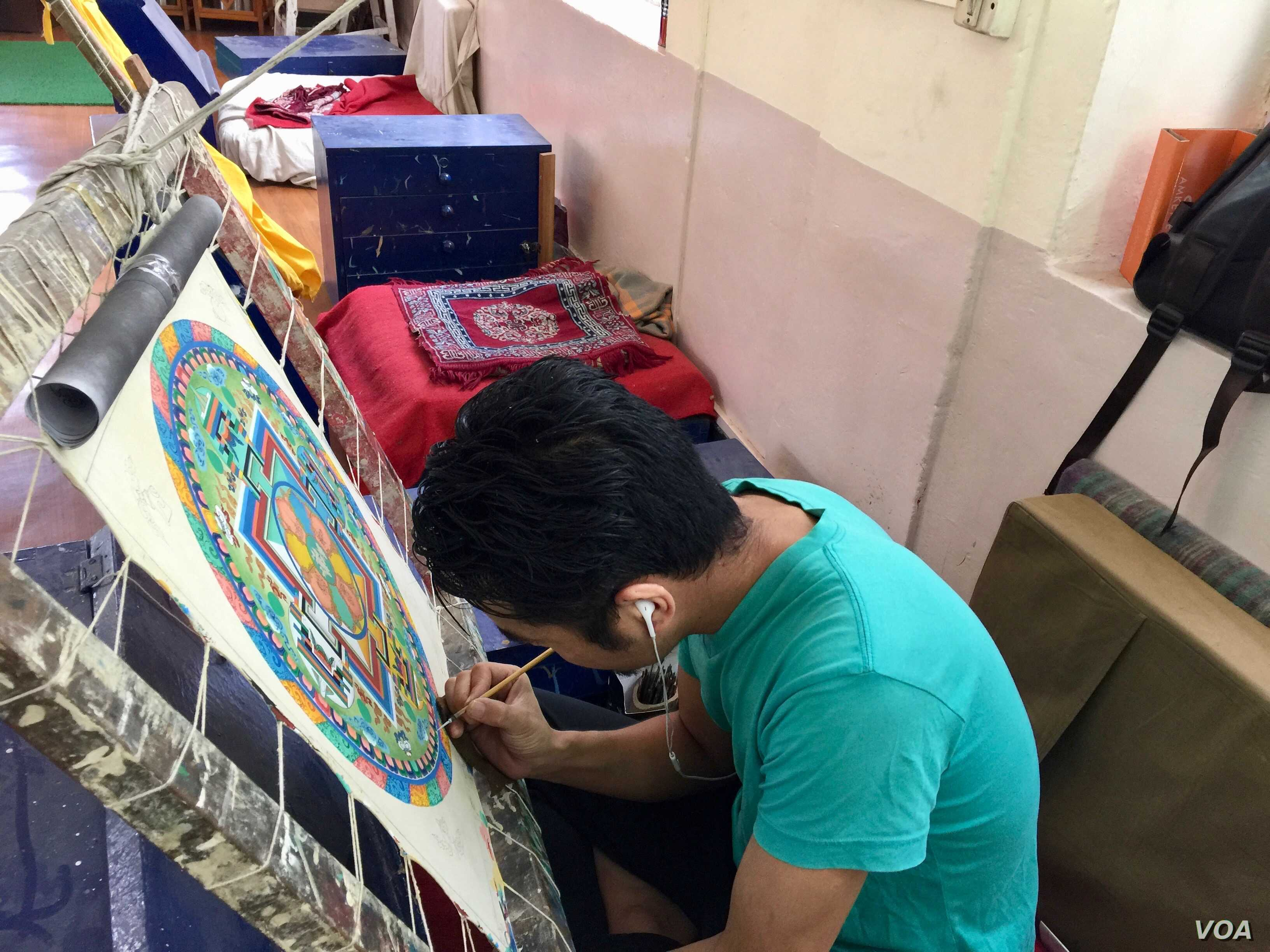 Young people in Dharamshala learn traditional Tibetan painting at the Norbulingka Institute in Dharamshala (8207) but fewer are coming these days.