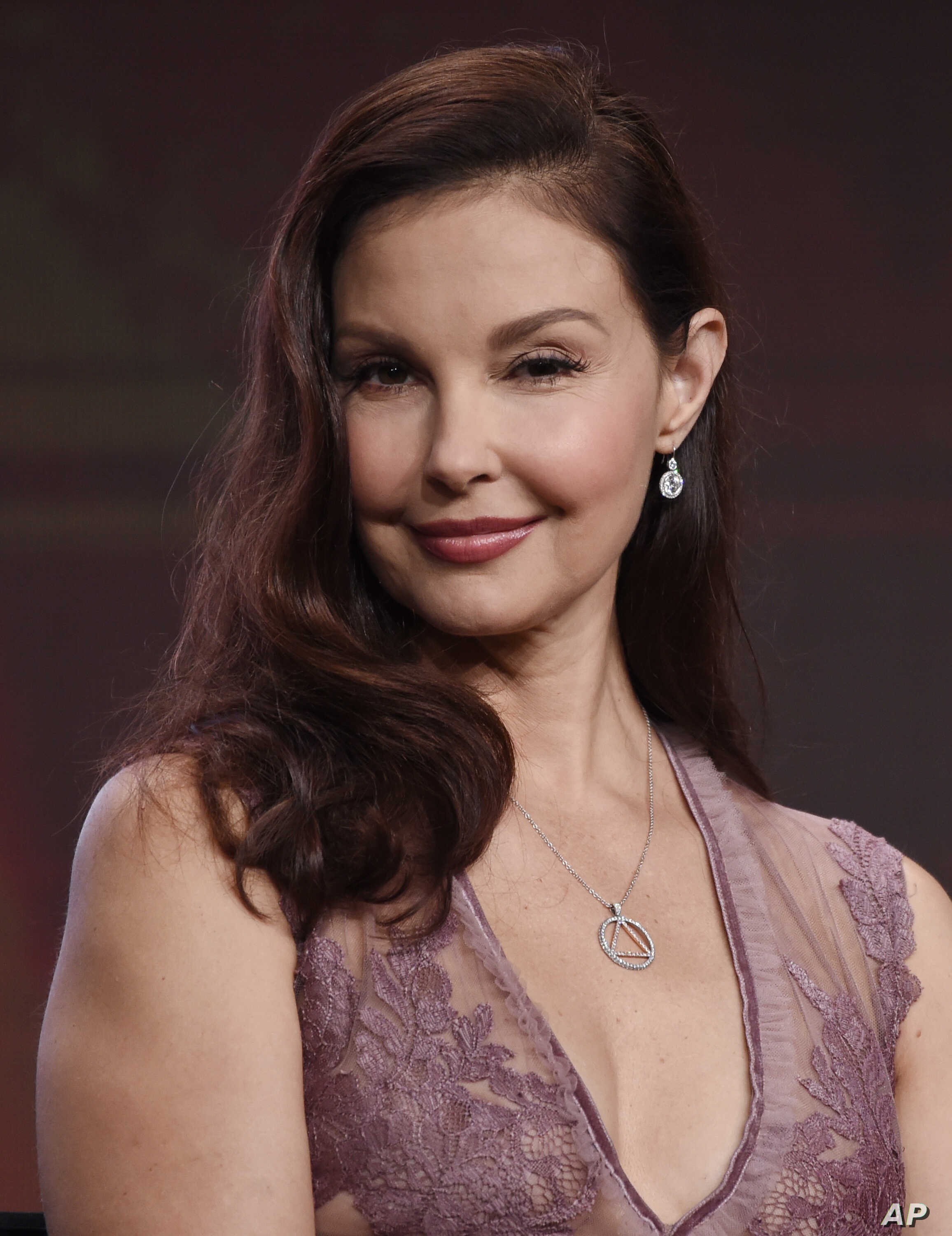 Ashley Judd Says A 'Deal' Helped Her Flee from Weinstein ...
