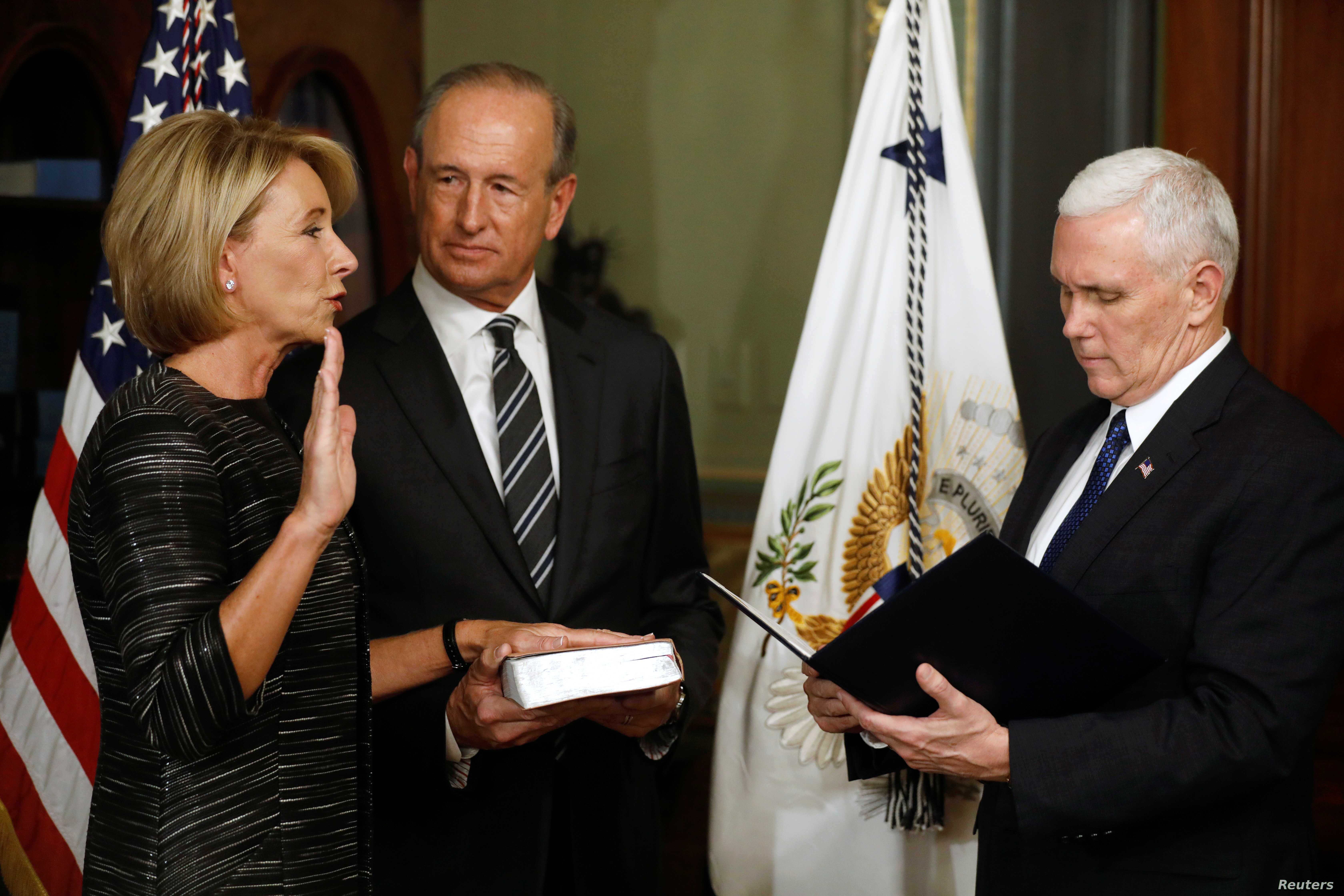 Betsy Devos Trumps Education Pick Plays >> Trump Playing Catch Up To Fill Top Government Posts Voice Of