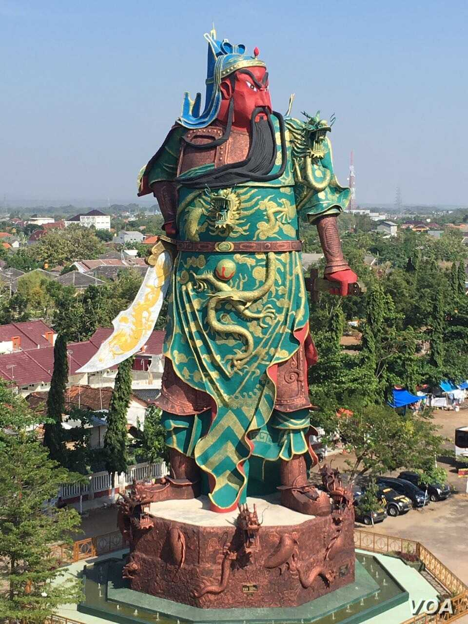 The 30-meter statue at the Kwan Seng Bio temple in Tuban, East Java drew outside protesters earlier this week who contended the image of the Chinese warrior god --- who protects against war --- does not represent Indonesian culture.