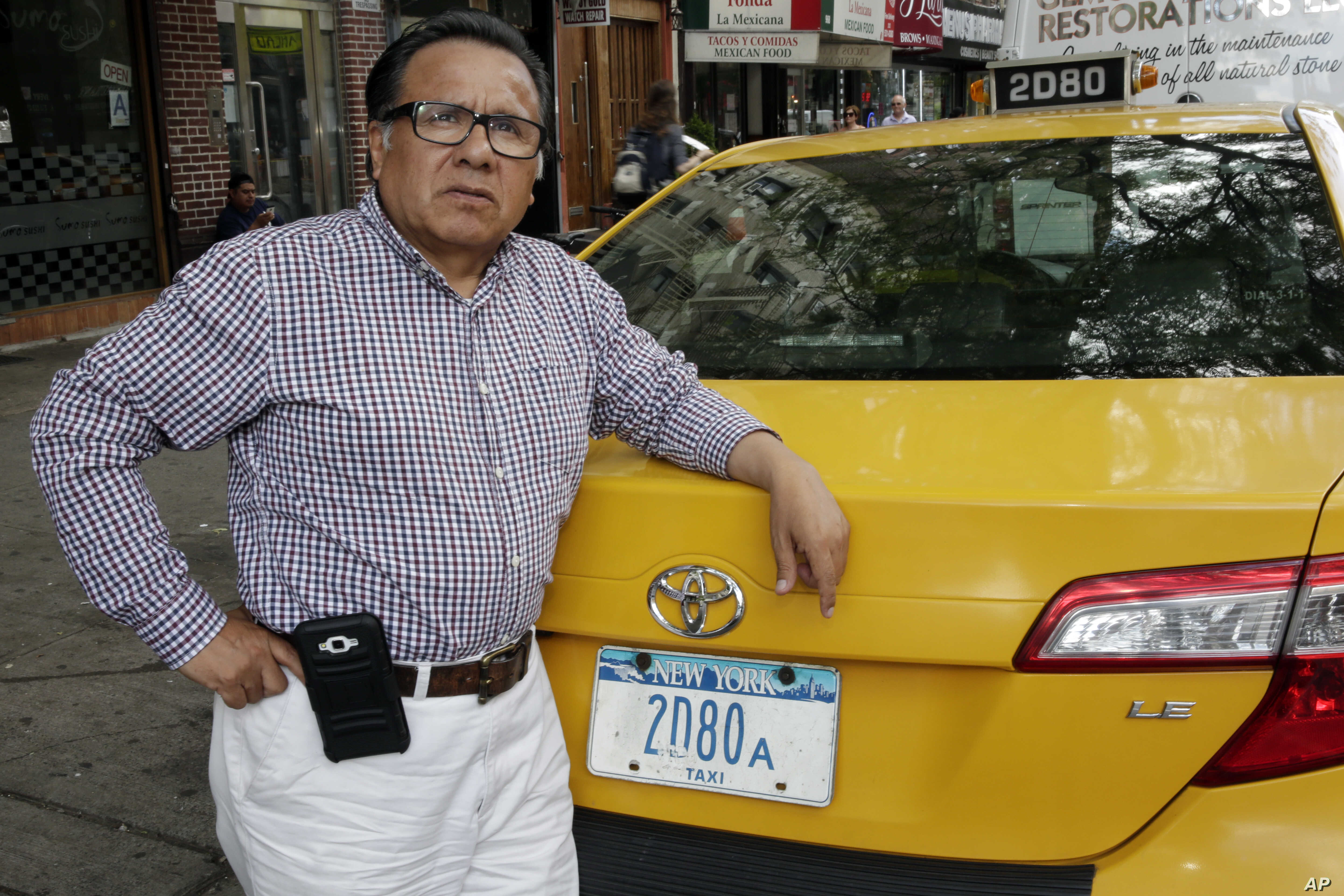 Uber, Lyft Bankrupting Cab Drivers and Their Lenders | Voice