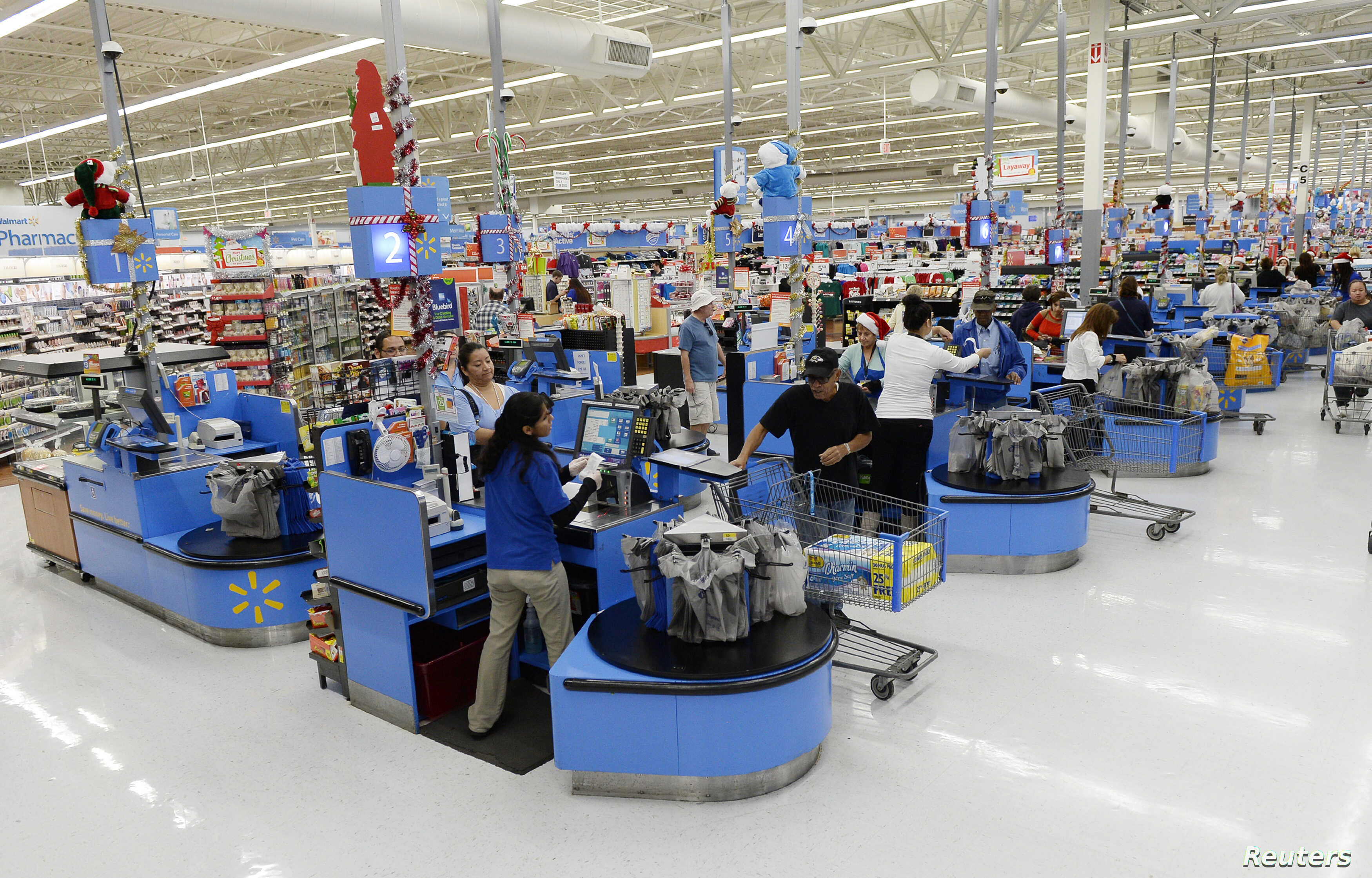 Walmart Hikes Minimum Wage, Announces Layoffs on Same Day | Voice of