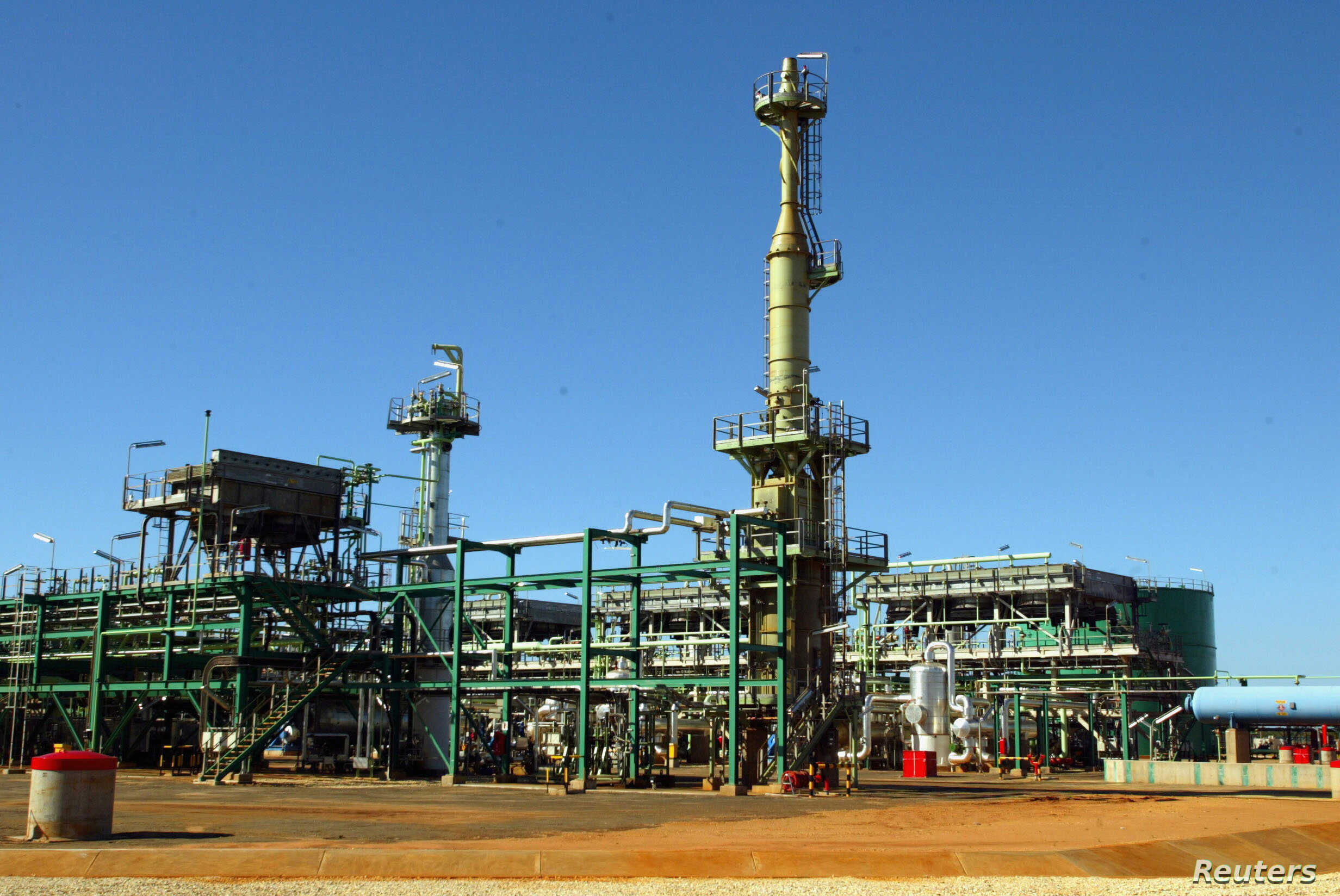 A view of Mozambique's Sasol's gas project is seen in Temane, of the Inhambane province, Mozambique June 1, 2004.
