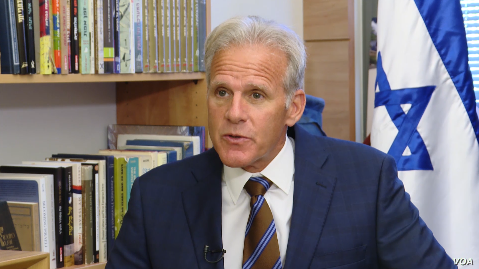 Israeli Deputy Minister for Diplomacy Michael Oren speaks to VOA Persian at his office in the Israeli parliament, or Knesset, on October 10, 2018.