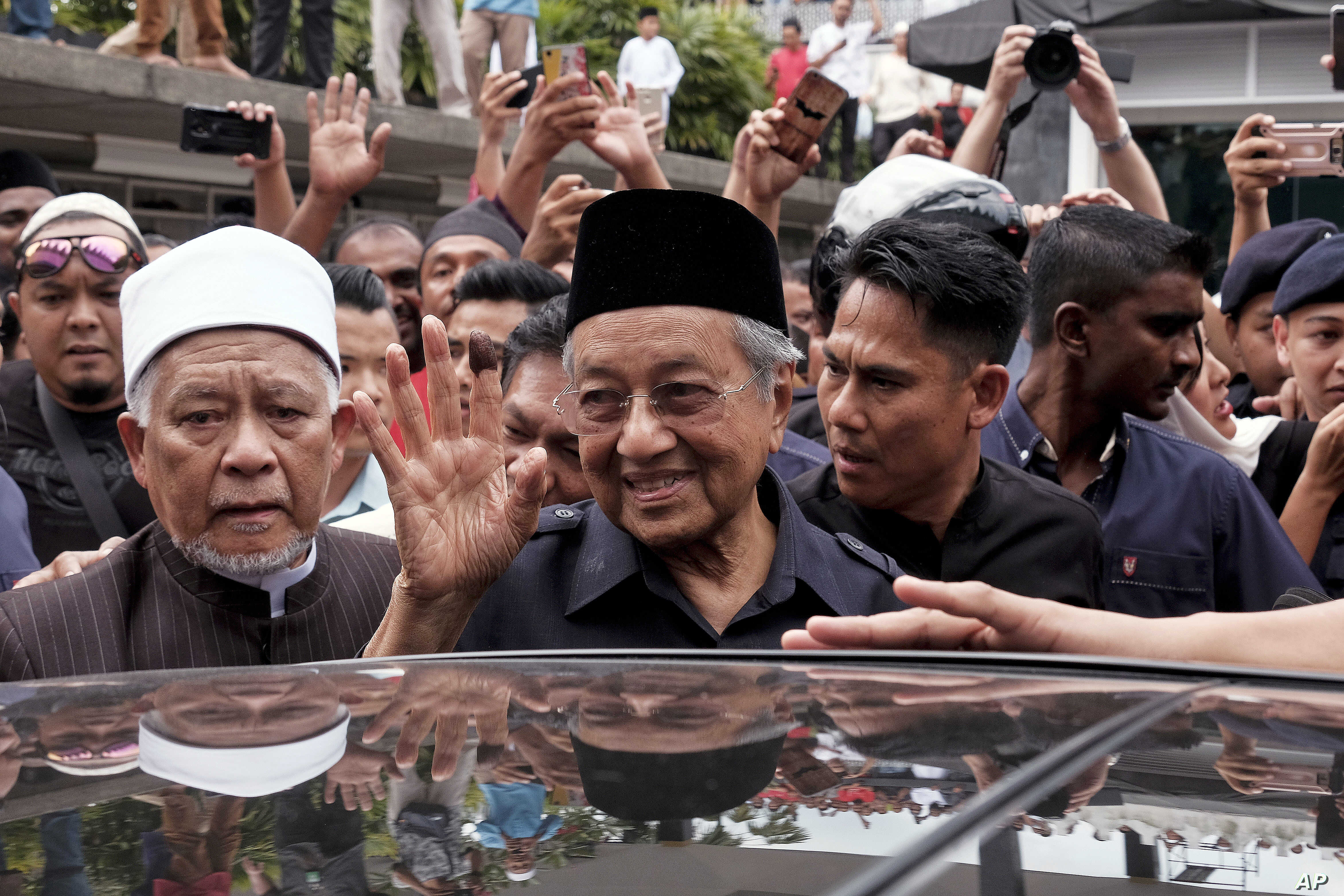 Malaysia Moves to Rebalance Relationship With China | Voice of