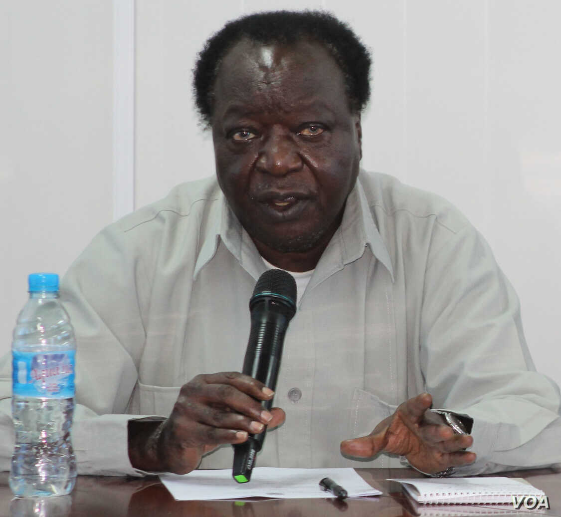 Akolda Maan Tier, the chair of South Sudan's National Constitutional Review Commission (NCRC), tells reporters in Juba on Friday, May 23, 2014, that fighting has delayed the country's new constitution.