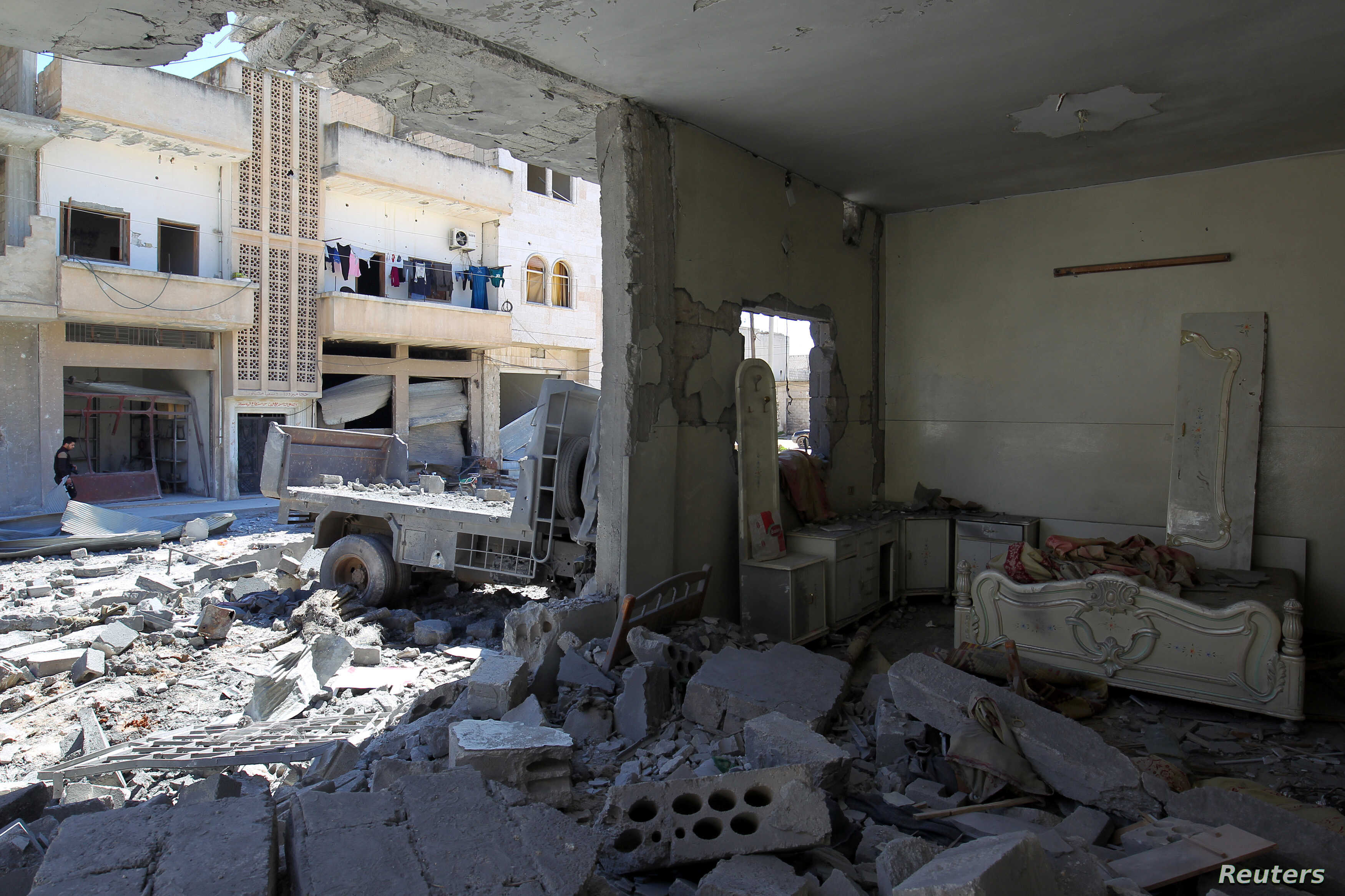Pro,Syrian Government Forces Aim to Seize Last Opposition