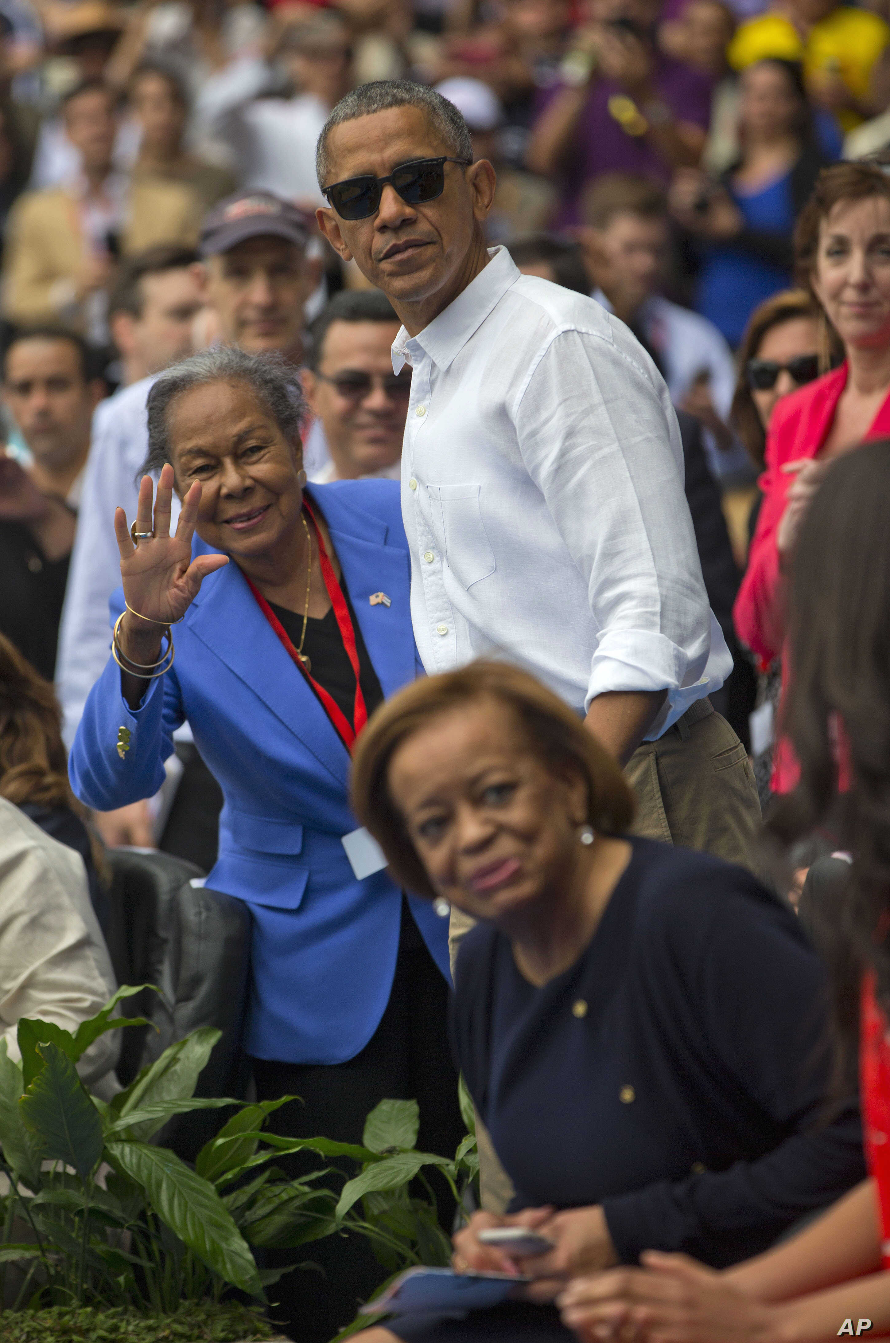 President Barack Obama and Rachel Robinson, left, widow of baseball hall-of-famer Jackie Robinson, attend the exhibition game between the MLB Tampa Bay Rays and the Cuban National team, in Havana, Cuba, March 22, 2016.