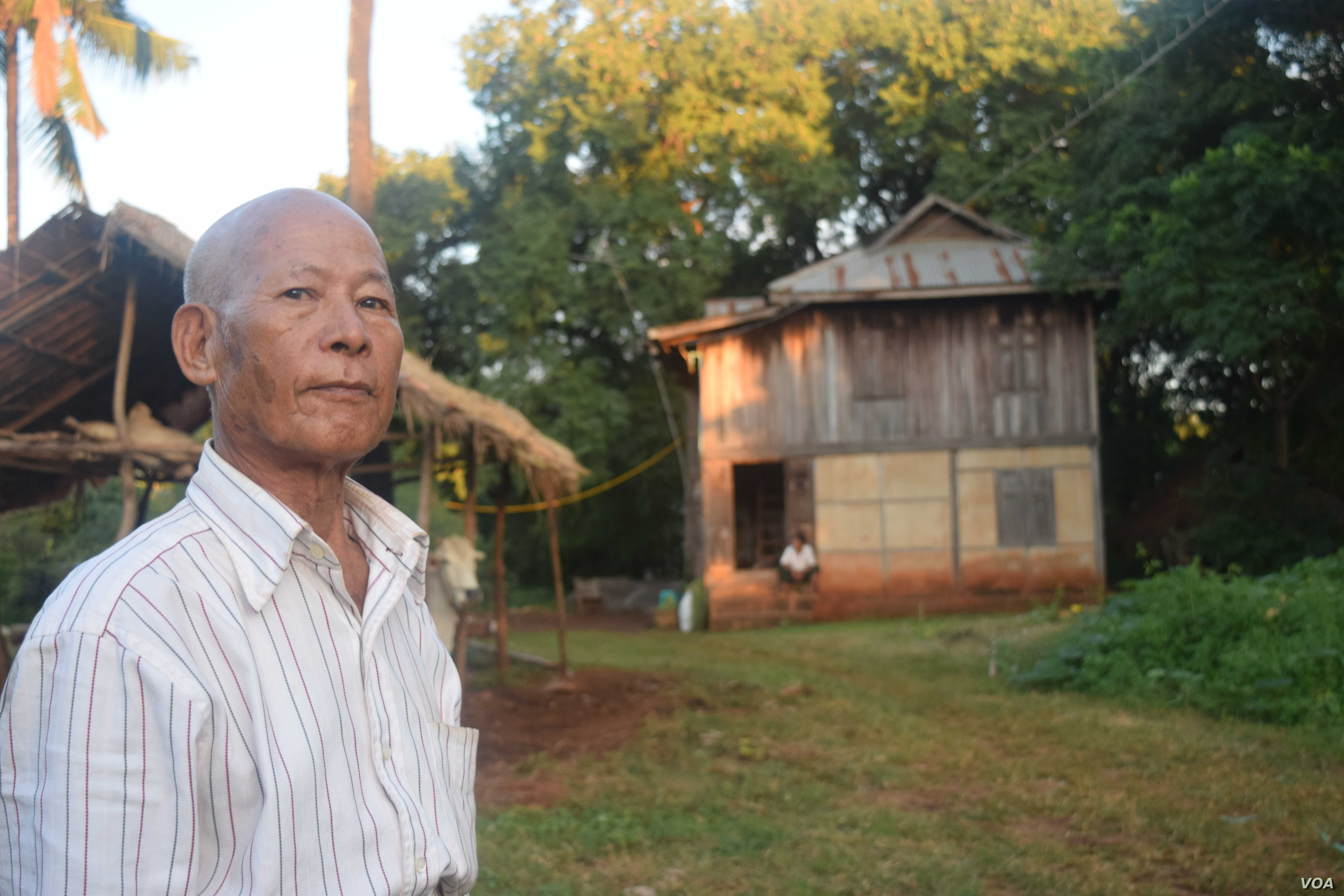 A rural village near Pyin Oo Lwin township were villagers are disgruntled with the ruling party for land seizures dating back to over three decades (Daniel de Carteret/VOA News)